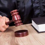 Во Владикавказе за получение взятки в крупном размере осудили врача